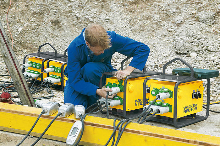 Wacker Neuson Frequency Converter MS75 in action
